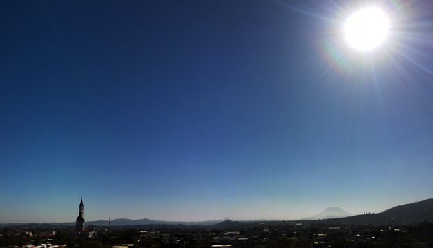 """Prevén clima """"muy cálido"""" y cielo poco nublado para este jueves"""
