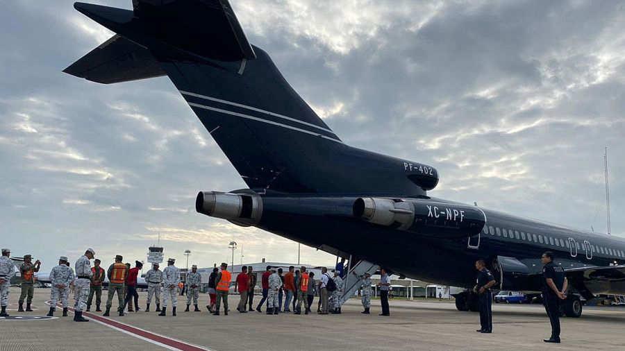 En plena crisis por nueva caravana migrante, México deporta a más de 100 hondureños