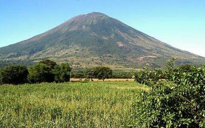 Comunidades en alarma por volcán Chaparrastique