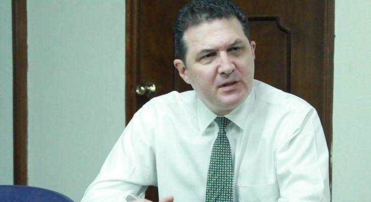 Juan Valiente presentara demanda ante Osiris Luna