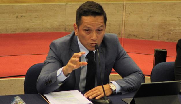 Comisión Política pide la destitución del presidente de ANDA por mala calidad de agua