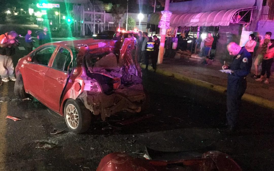 CAPTURAN A CONDUCTOR DE CAMIÓN TRAS OCASIONAR DOS ACCIDENTES EN SAN SALVADOR