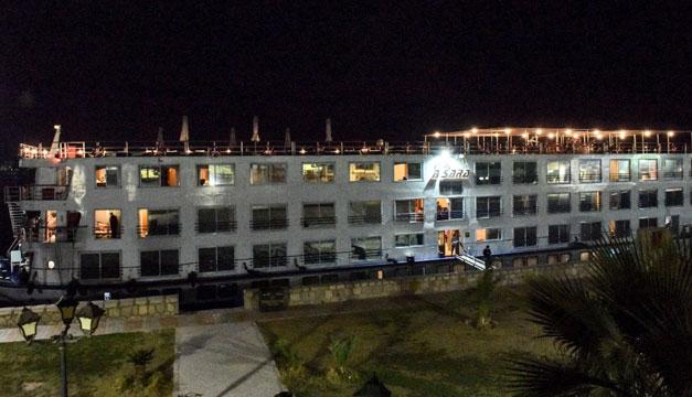 En cuarentena decenas de pasajeros de un crucero en Egipto