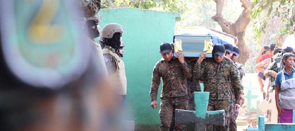 Despiden a soldados con honores tras perder la vida cumpliendo su deber.