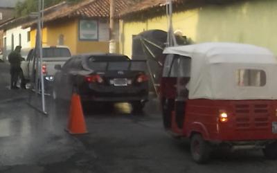 POLICÍA SUPERVISA MEDIDAS DE CONTENCIÓN CONTRA EL COVID-19 EN MORAZÁN