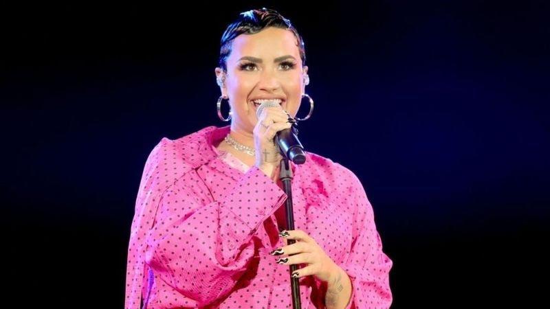 La artista Demi Lovato anuncia ser identifica con el género no binario