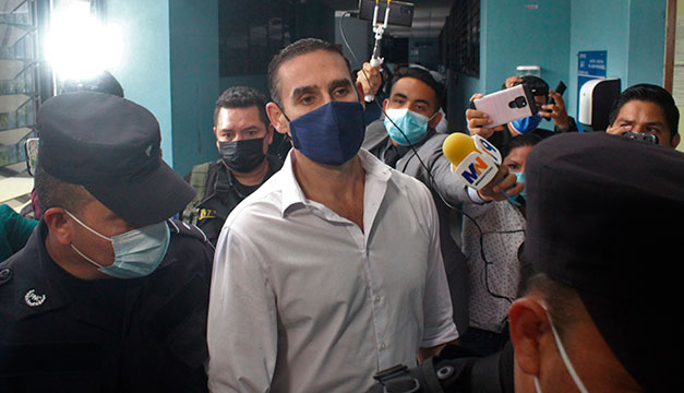 Envían a prisión a exalcalde Ernesto Muyshondt